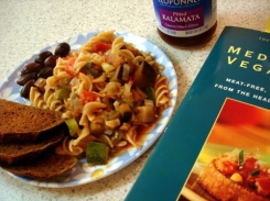 Rotelle with Mixed Summer-Vegetable Sauce w/ kalamata olives and pumpernickel bread