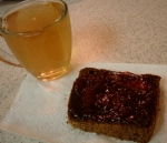 tea & pumpernickel w/ strawberry jam